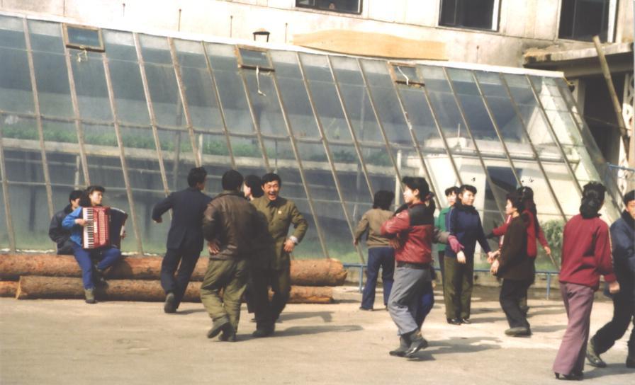 원산 근로자들의 오후 한때
